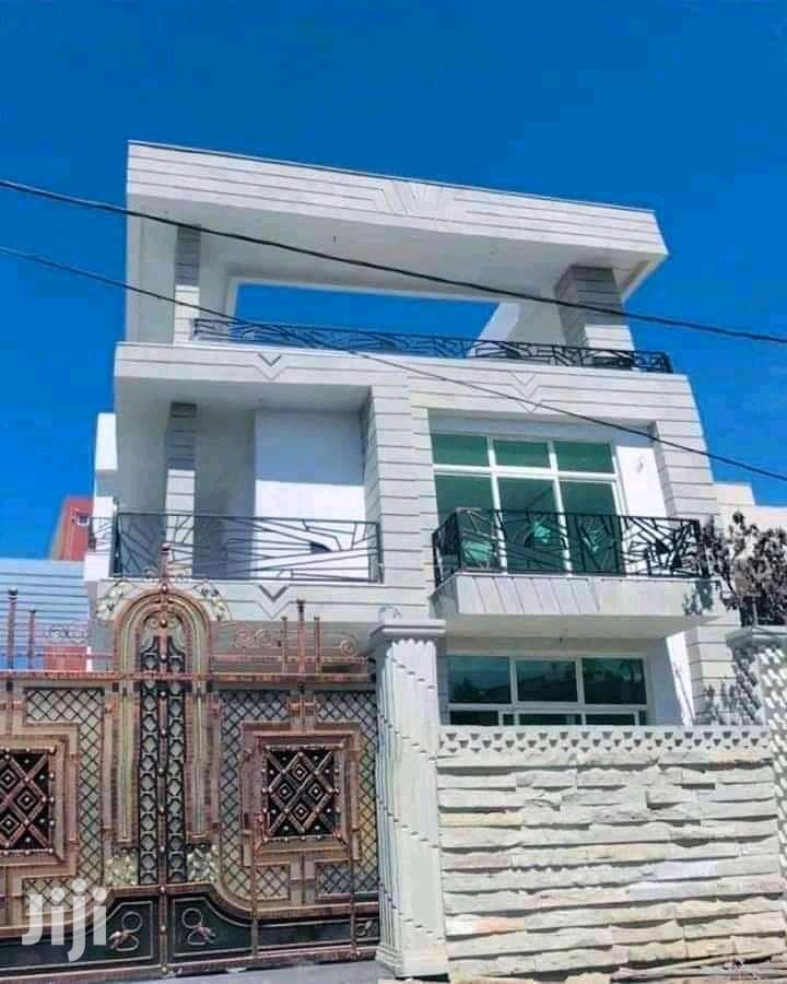 Furnished 5bdrm Townhouse in ሲኤምሲ, Bole for Sale