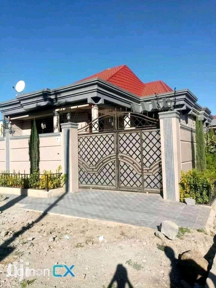 3bdrm Villa in ኤመራልድ, Yeka for Sale