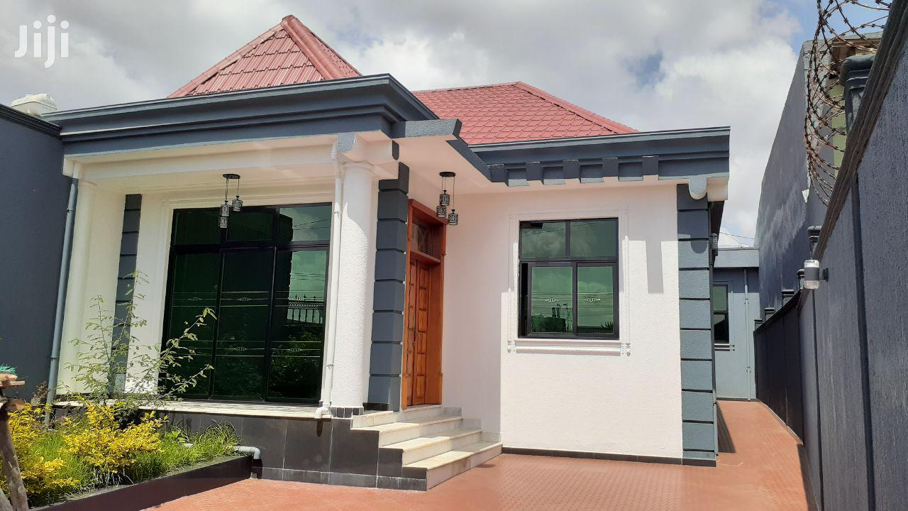 4bdrm House in Yeka for Sale