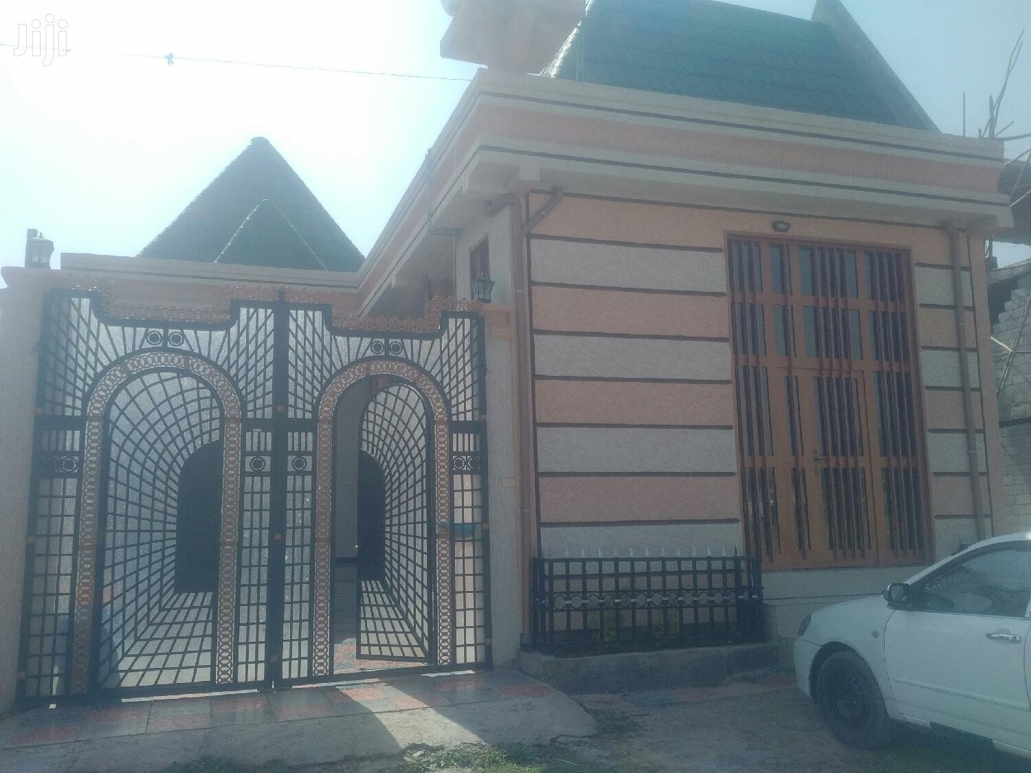 Furnished 4bdrm House in Dukem, East Shewa for Sale