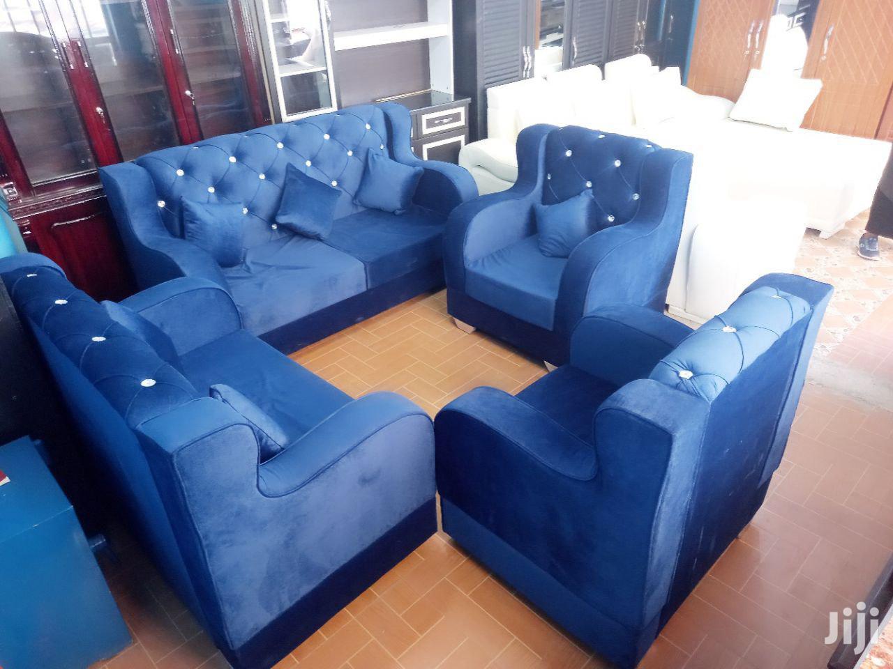 S M Sofa Design