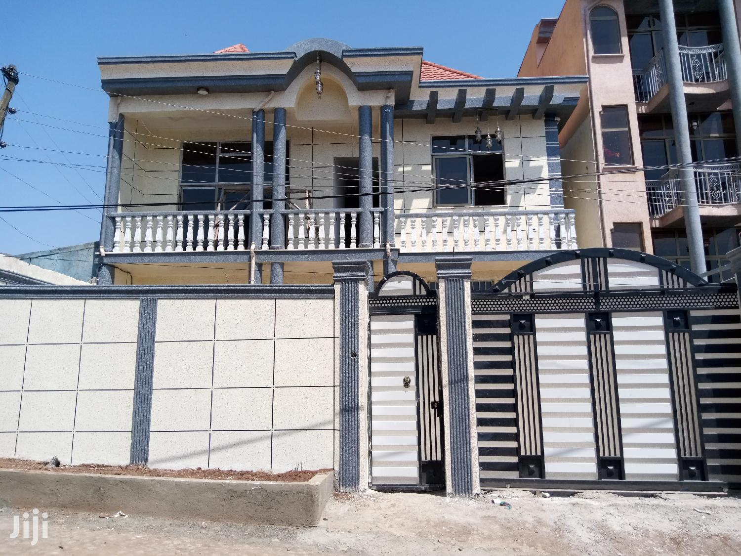 G+1 House for Sale (220sq)