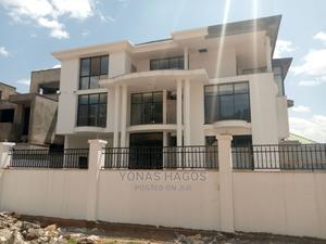 10bdrm House in ኤመራልድ, Yeka for sale | Houses & Apartments For Sale for sale in Addis Ababa, Yeka