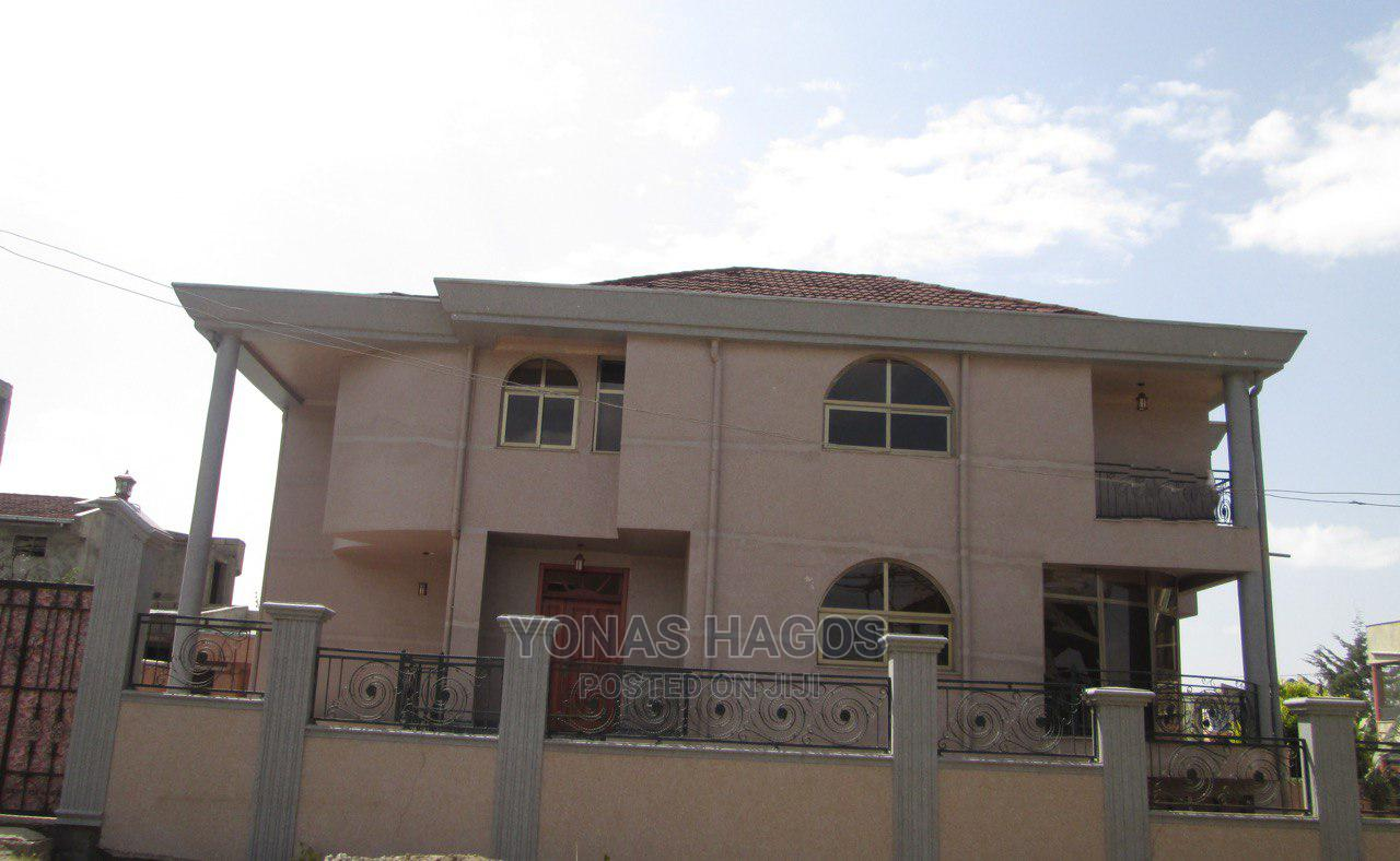10bdrm House in ኤመራልድ, Bole for Sale