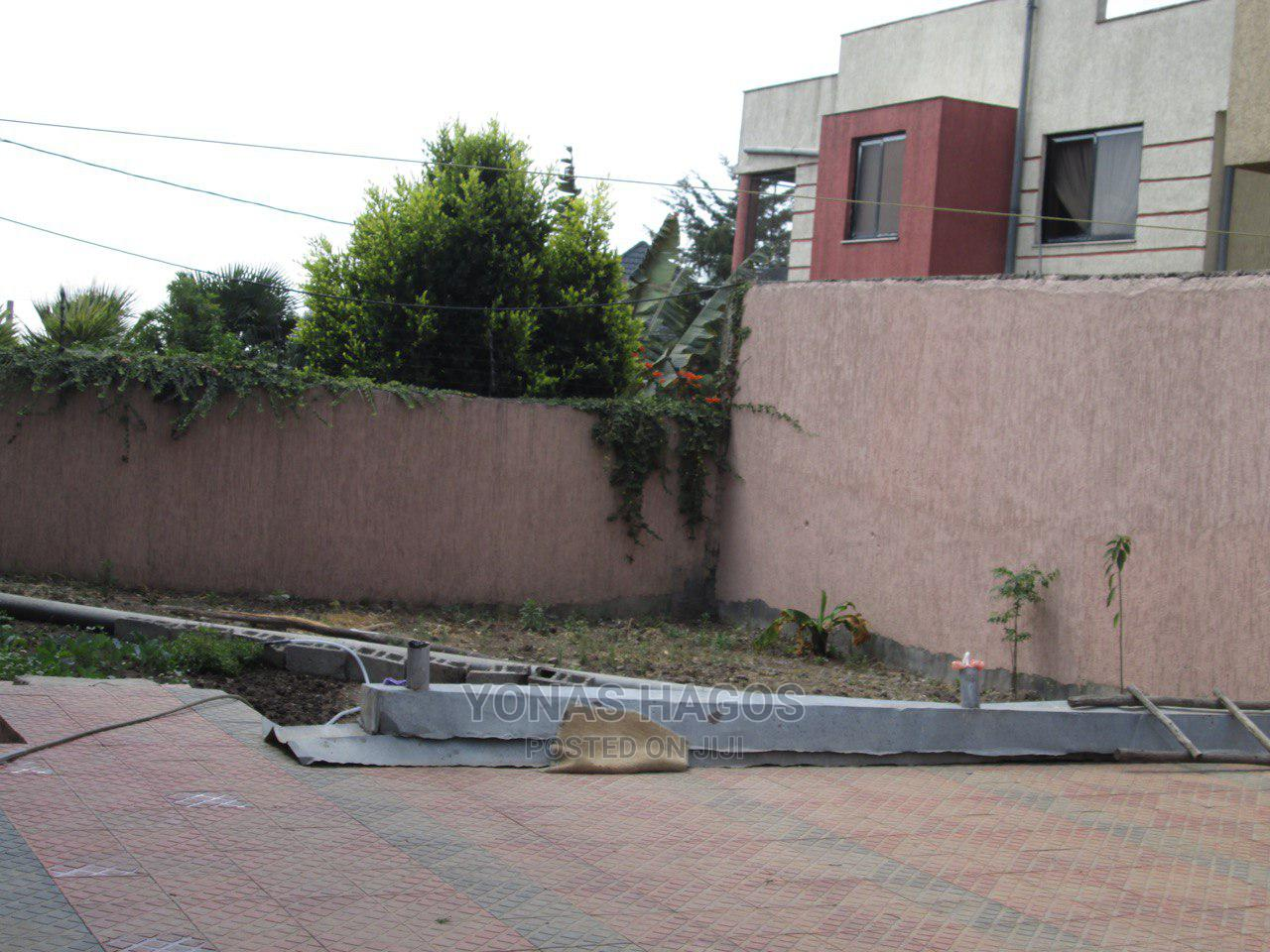 10bdrm House in ኤመራልድ, Bole for Sale   Houses & Apartments For Sale for sale in Bole, Addis Ababa, Ethiopia
