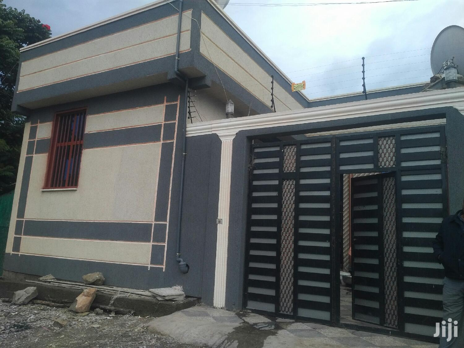 3bdrm House in East Shewa for Sale