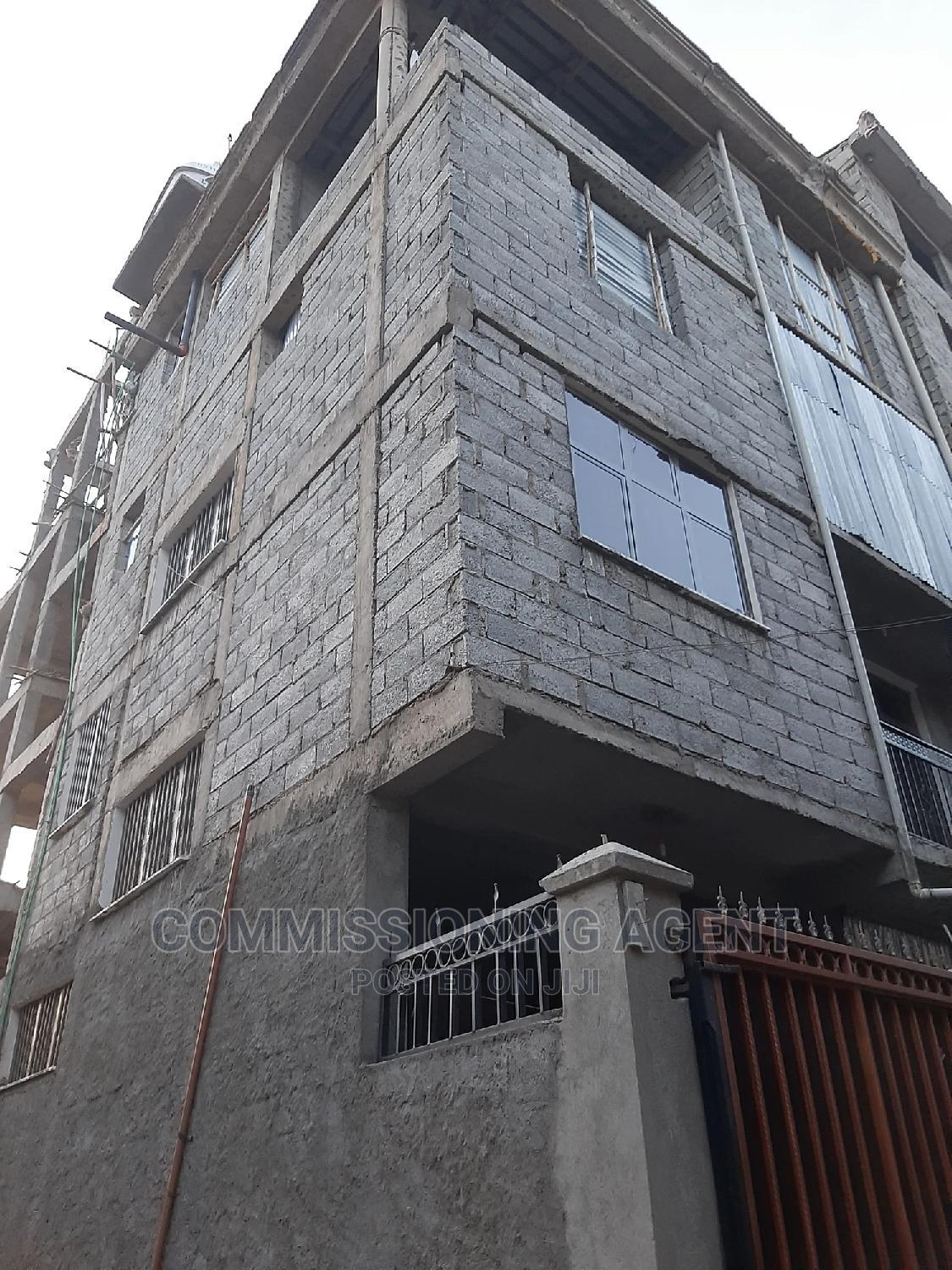 5bdrm House in ሀይሌ ጋርመንት, Nifas Silk-Lafto for Sale