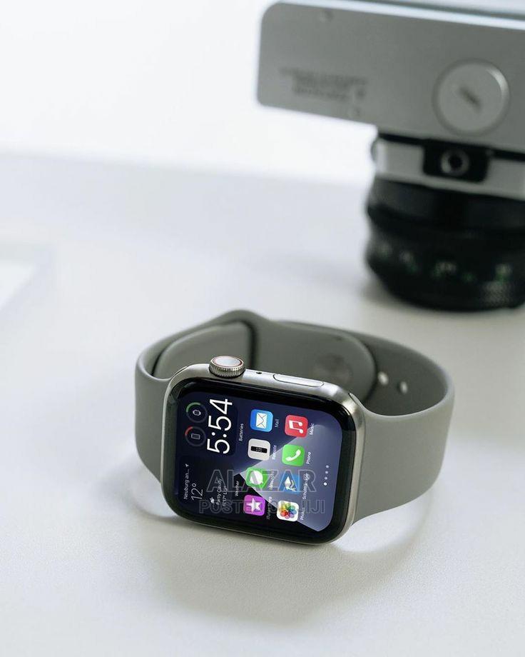 H22 Smart Watch (2021)