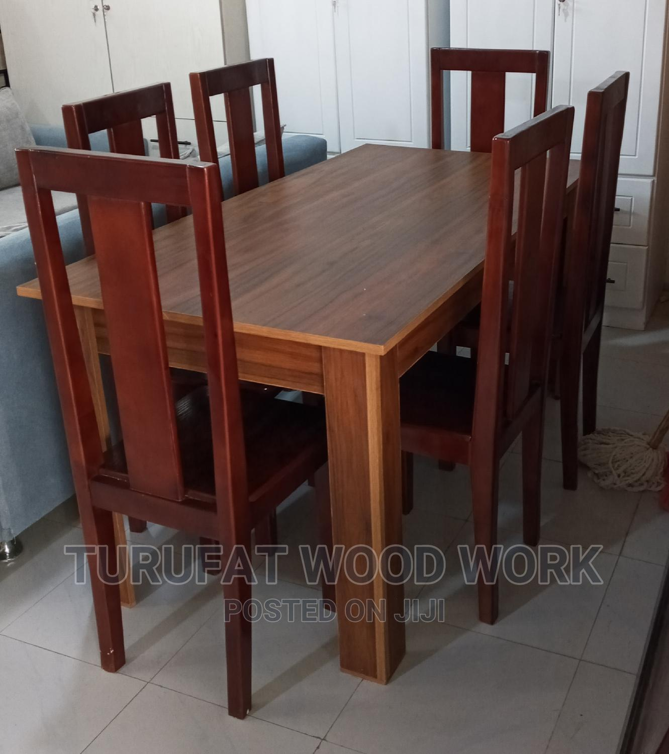 New Quality Dining Table