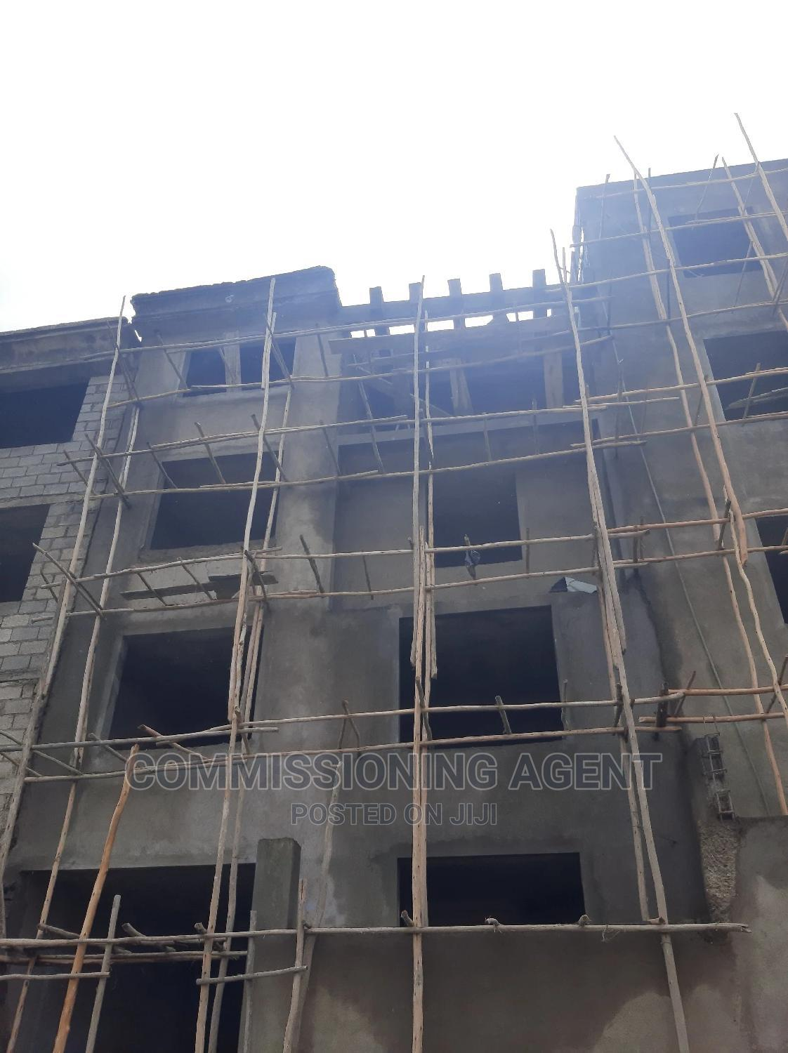 5bdrm House in ናሆም, Nifas Silk-Lafto for Sale