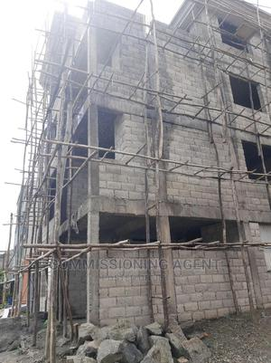 ጂ+3 96ካሬ ኤል ላይ ጣርያ የተመታ ብሎኬት የተሰራ | Houses & Apartments For Sale for sale in Addis Ababa, Nifas Silk-Lafto