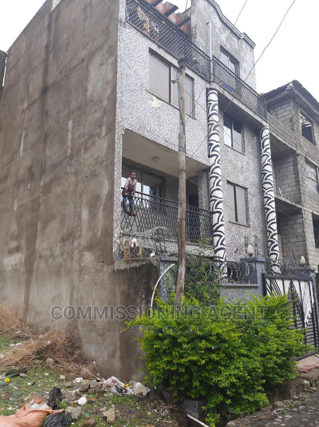 Furnished 5bdrm Townhouse in ሀይሌ ጋርመንት, Nifas Silk-Lafto for Sale