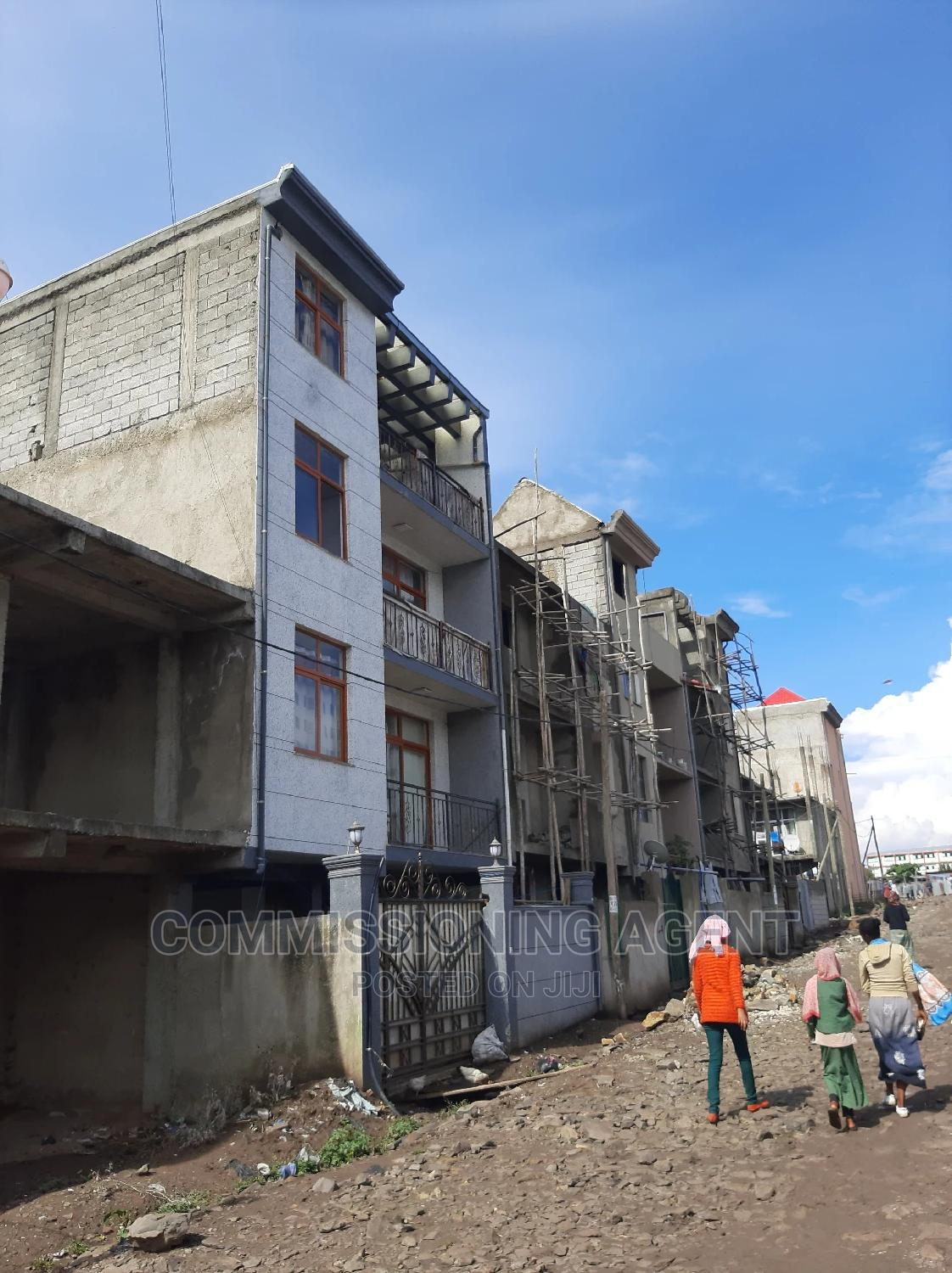 Furnished 5bdrm Townhouse in ናሆም, Nifas Silk-Lafto for Sale | Houses & Apartments For Sale for sale in Nifas Silk-Lafto, Addis Ababa, Ethiopia