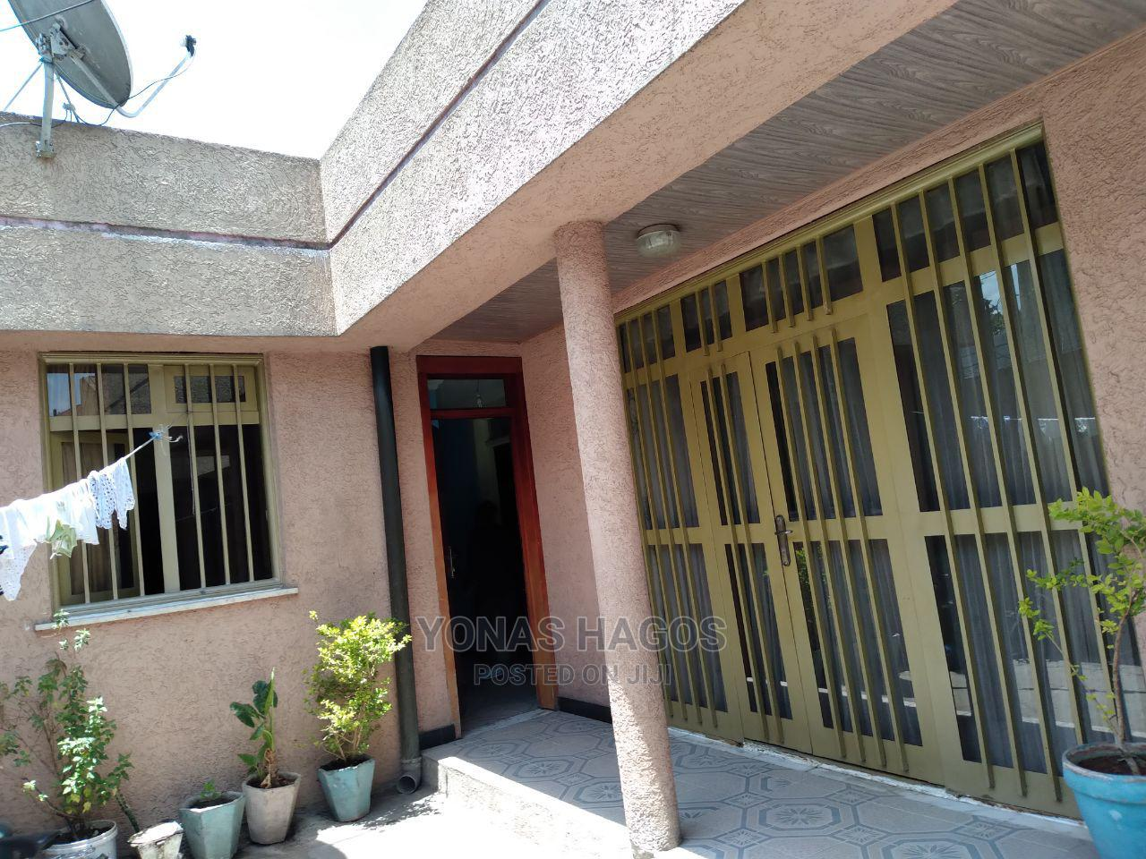 3bdrm House in ሰሚት, Bole for Sale