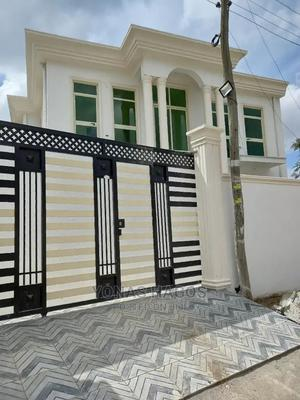 6bdrm House in ኤመራልድ, Bole for sale | Houses & Apartments For Sale for sale in Addis Ababa, Bole