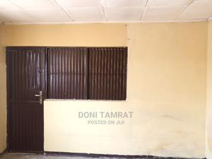 የሚከራይ ሰፊ ሱቅ 13 ካሬ ሜትር | Commercial Property For Rent for sale in Addis Ababa, Nifas Silk-Lafto