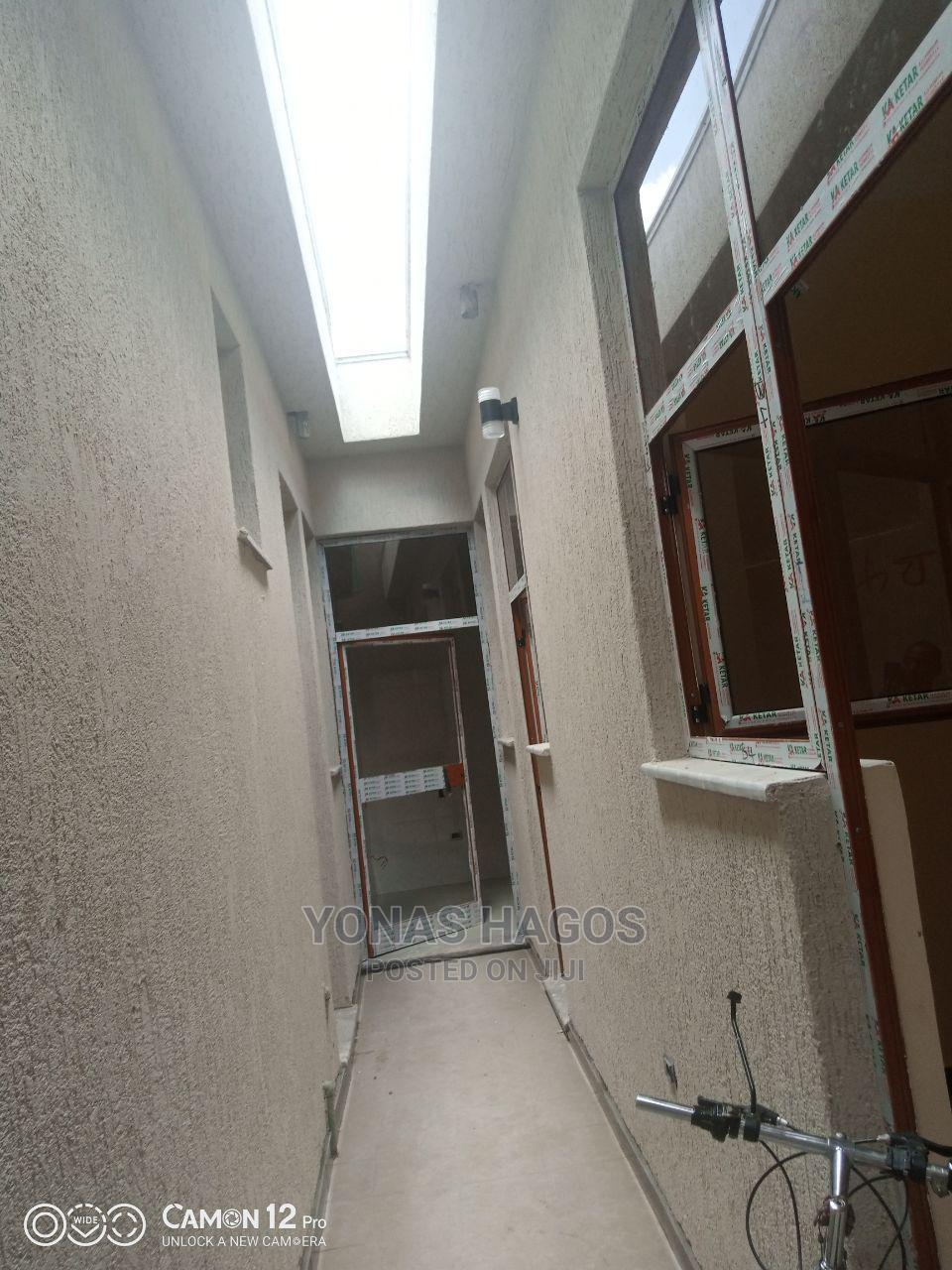 3bdrm Villa in ኤመራልድ, Bole for Sale