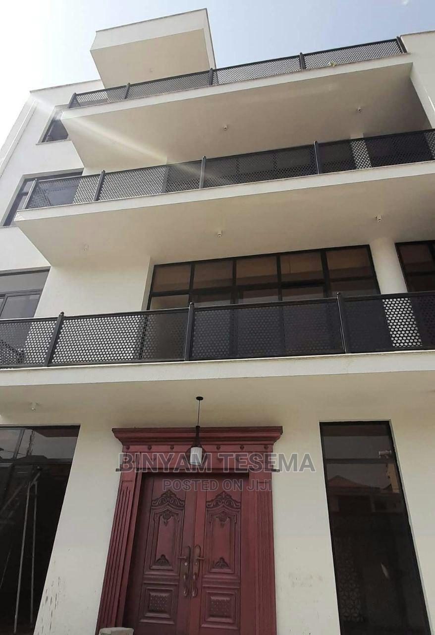 10bdrm House in ሲኤምሲ, Bole for Sale