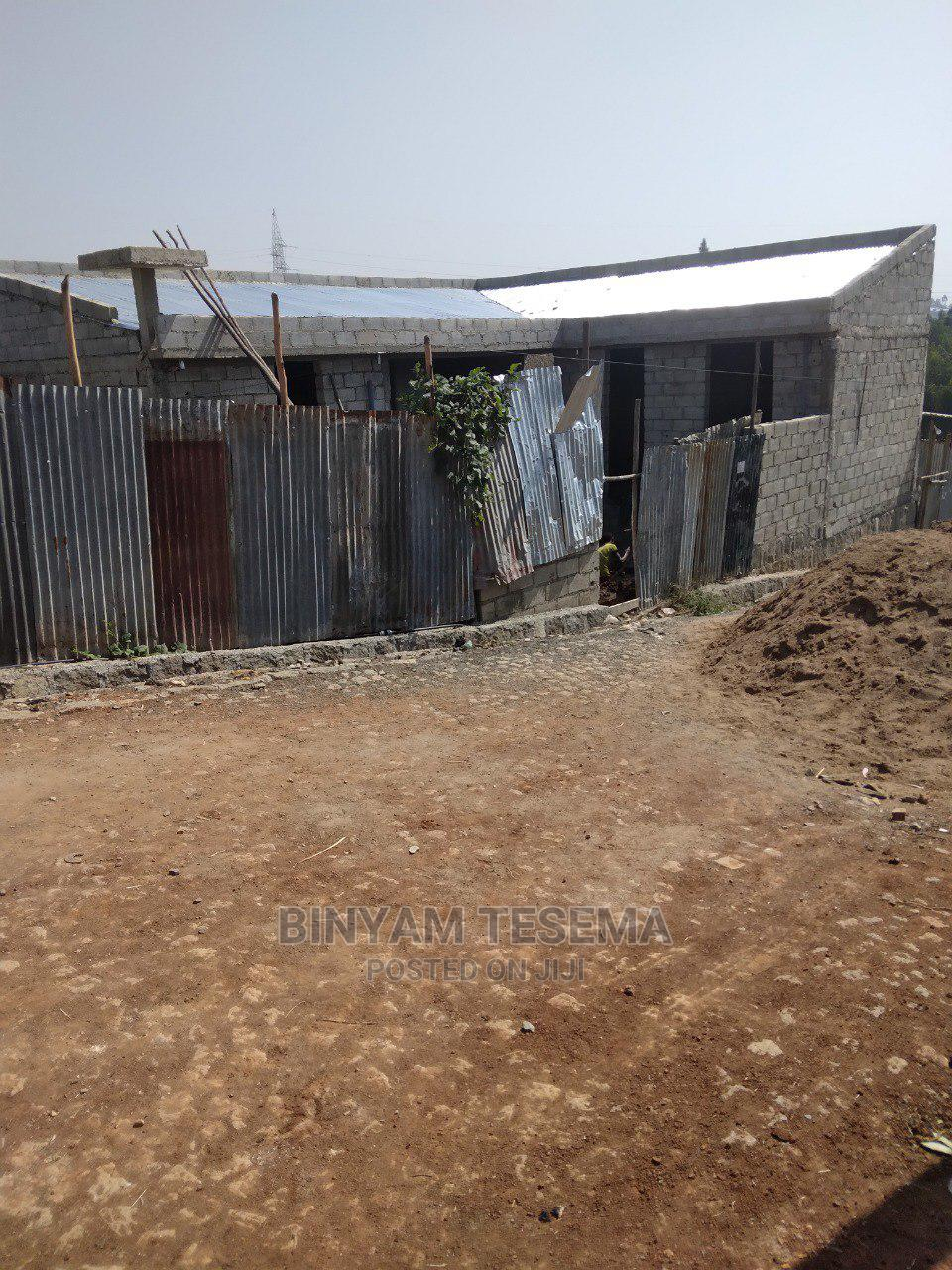 3bdrm House in አያት, Yeka for Sale