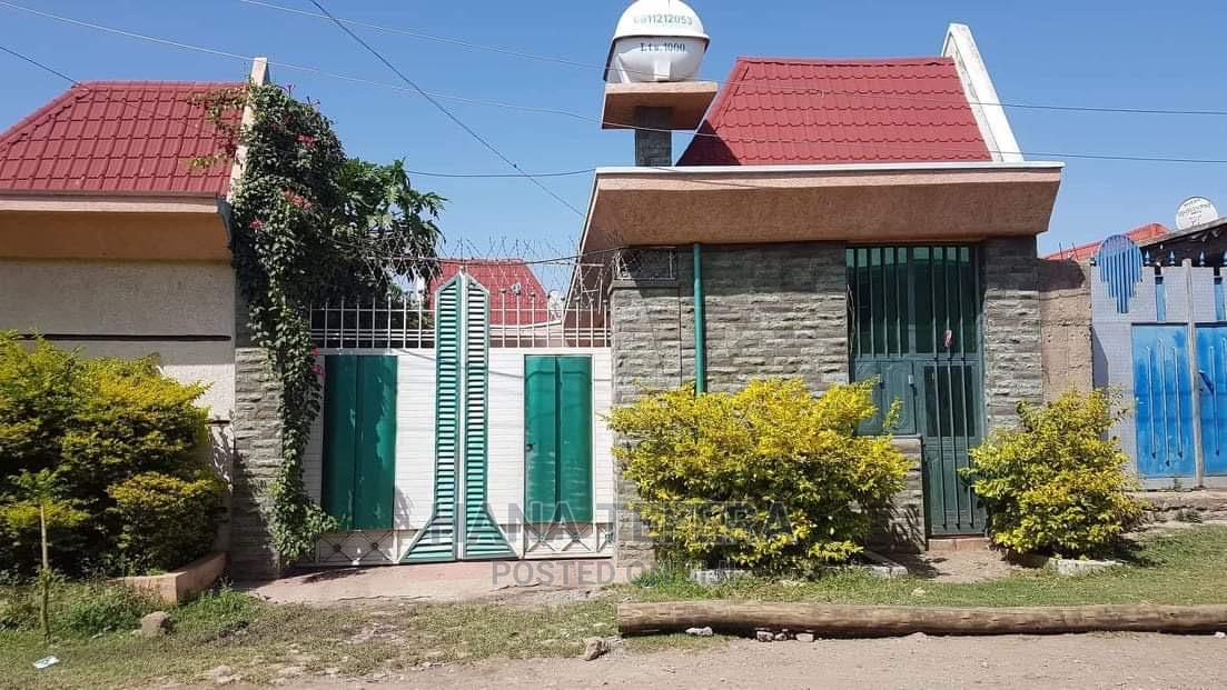 3bdrm House in Adama for Sale