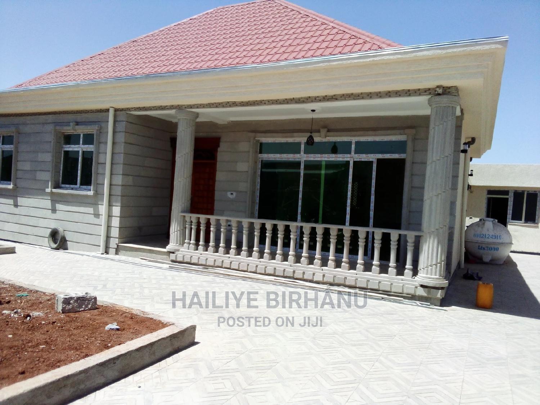 Archive: Furnished 4bdrm House in ሀይልዬ የደላላ ሥራ, Yeka for Sale