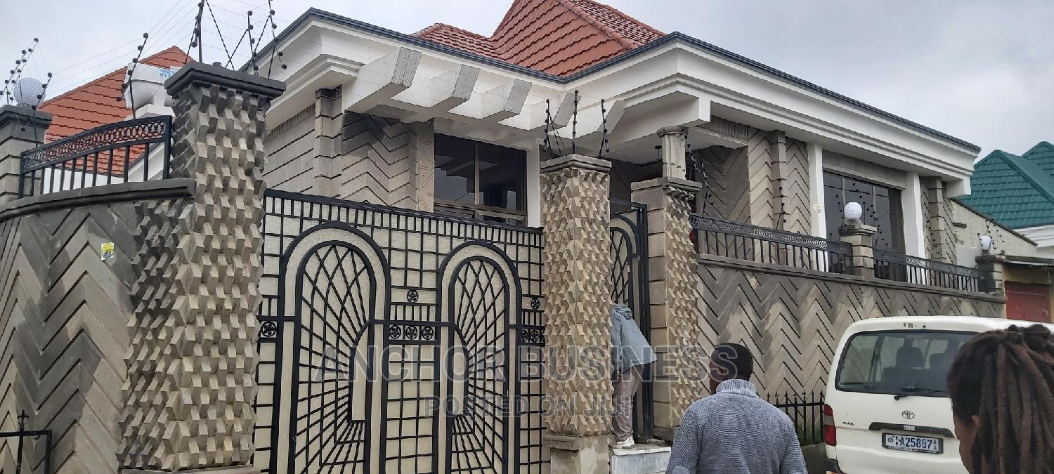 Furnished 5bdrm Villa in Anchor Bussiness, Bole for Sale