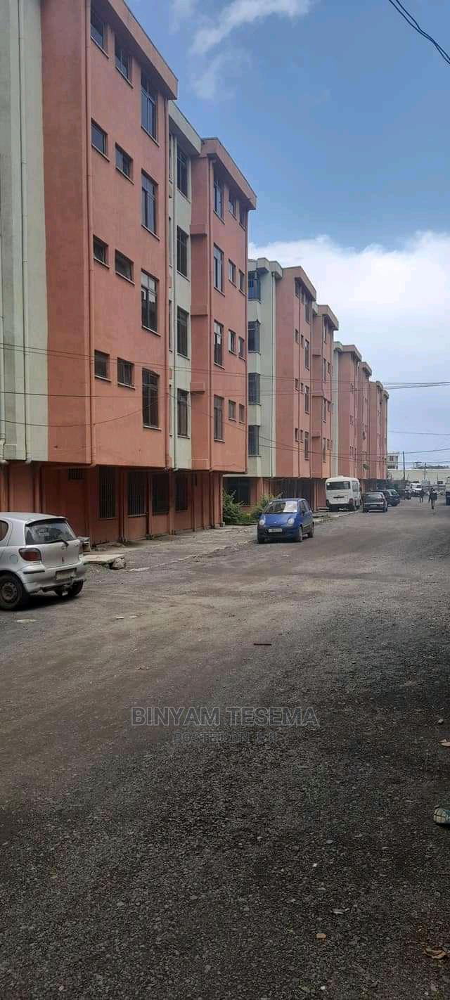 3bdrm Apartment in አያት, Bole for Sale
