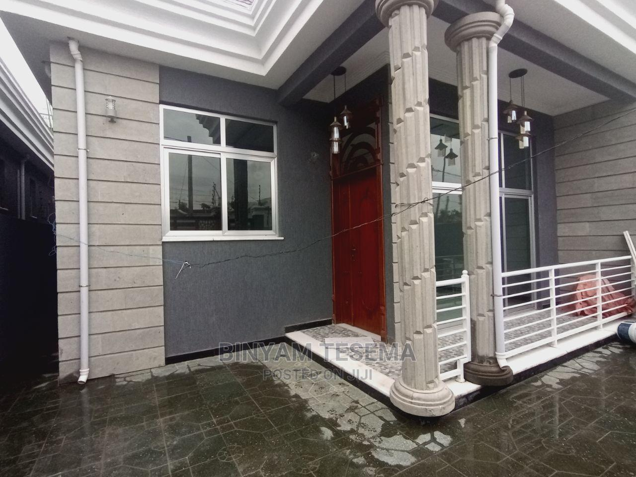 3bdrm House in ሳፋሪ, Bole for Sale