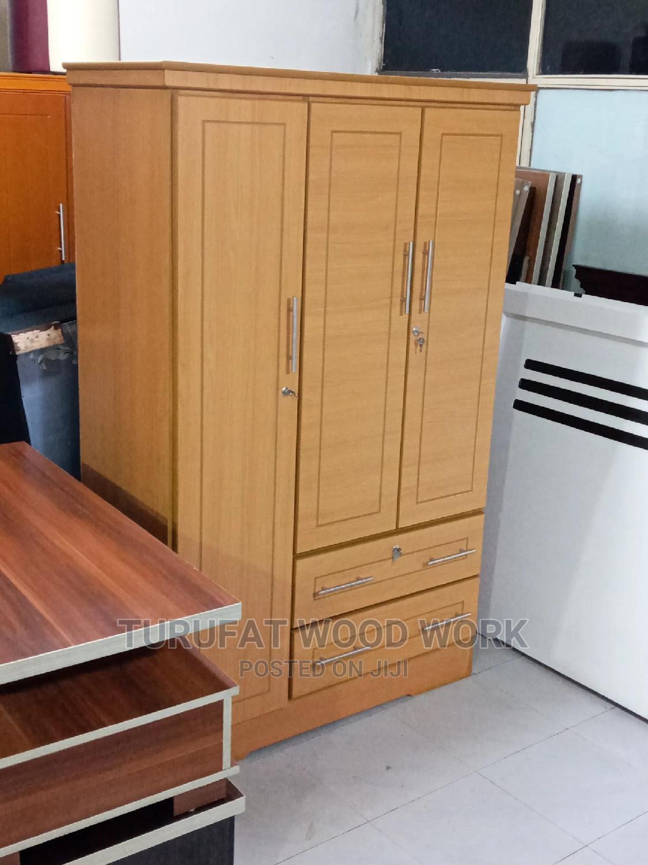 New 1.20cm Laminated Closet