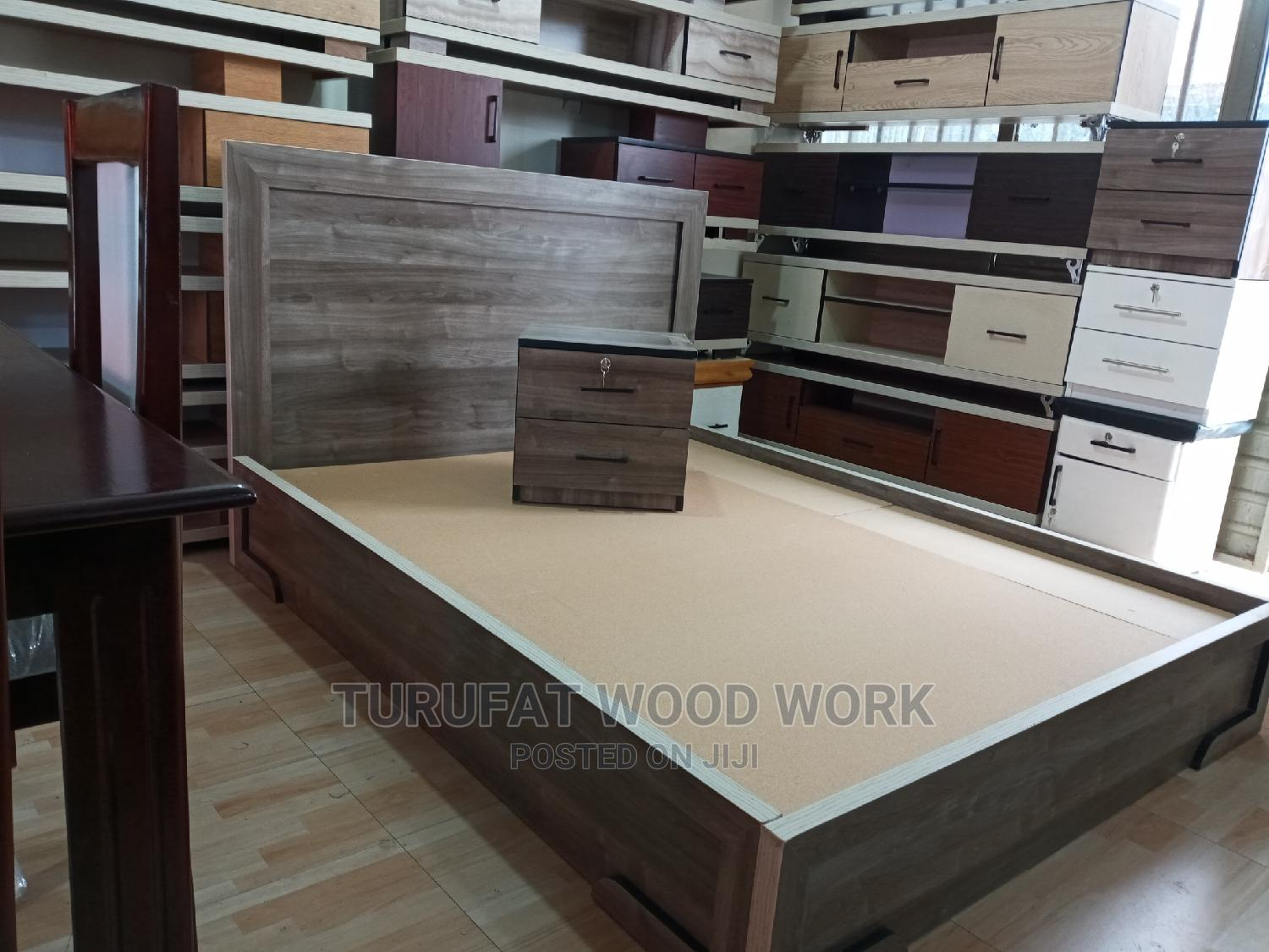 New Laminated 1.50cm Bed