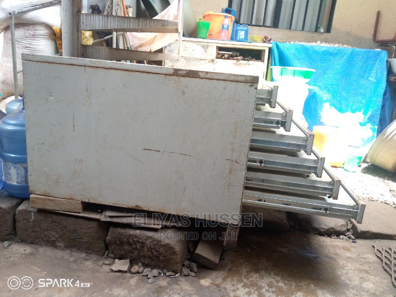 ኮመዲኖ በብረት ጰ   Furniture for sale in Akaky Kaliti, Addis Ababa, Ethiopia