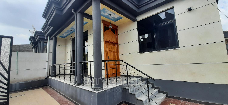 Archive: Furnished 3bdrm Villa in Summit, Bole for Sale