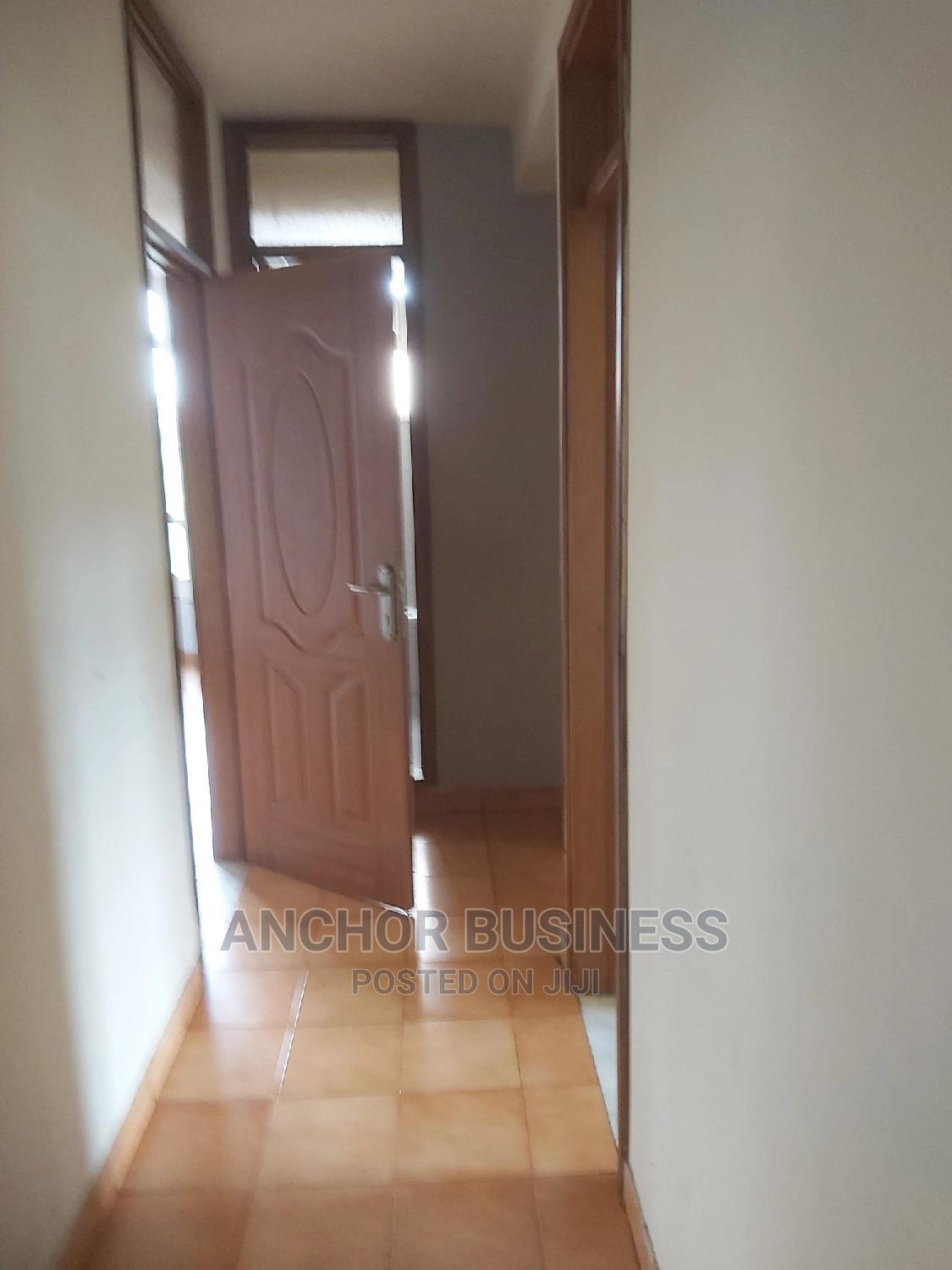 3bdrm Apartment in Anchor Bussiness, Bole for Rent