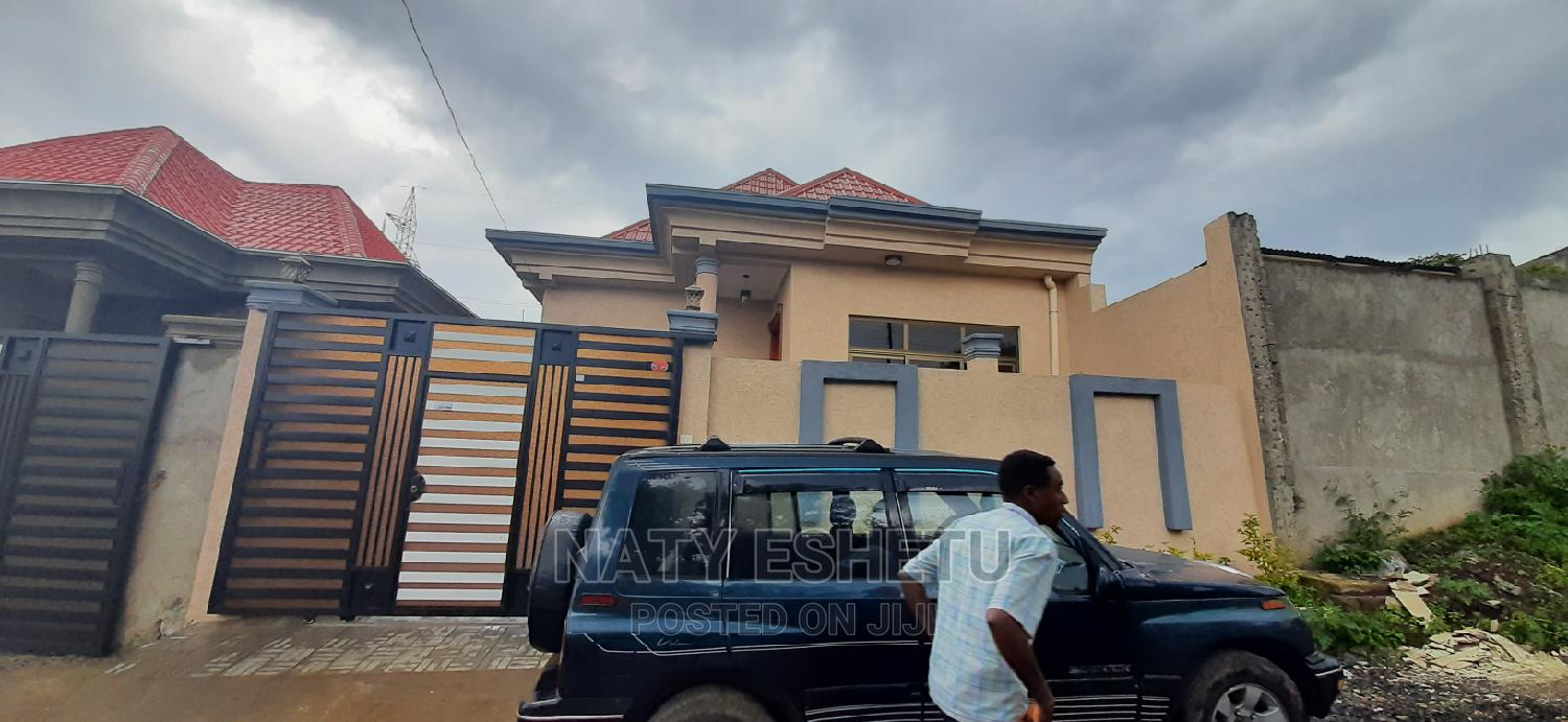 Furnished 3bdrm House in Summit, Bole for Sale