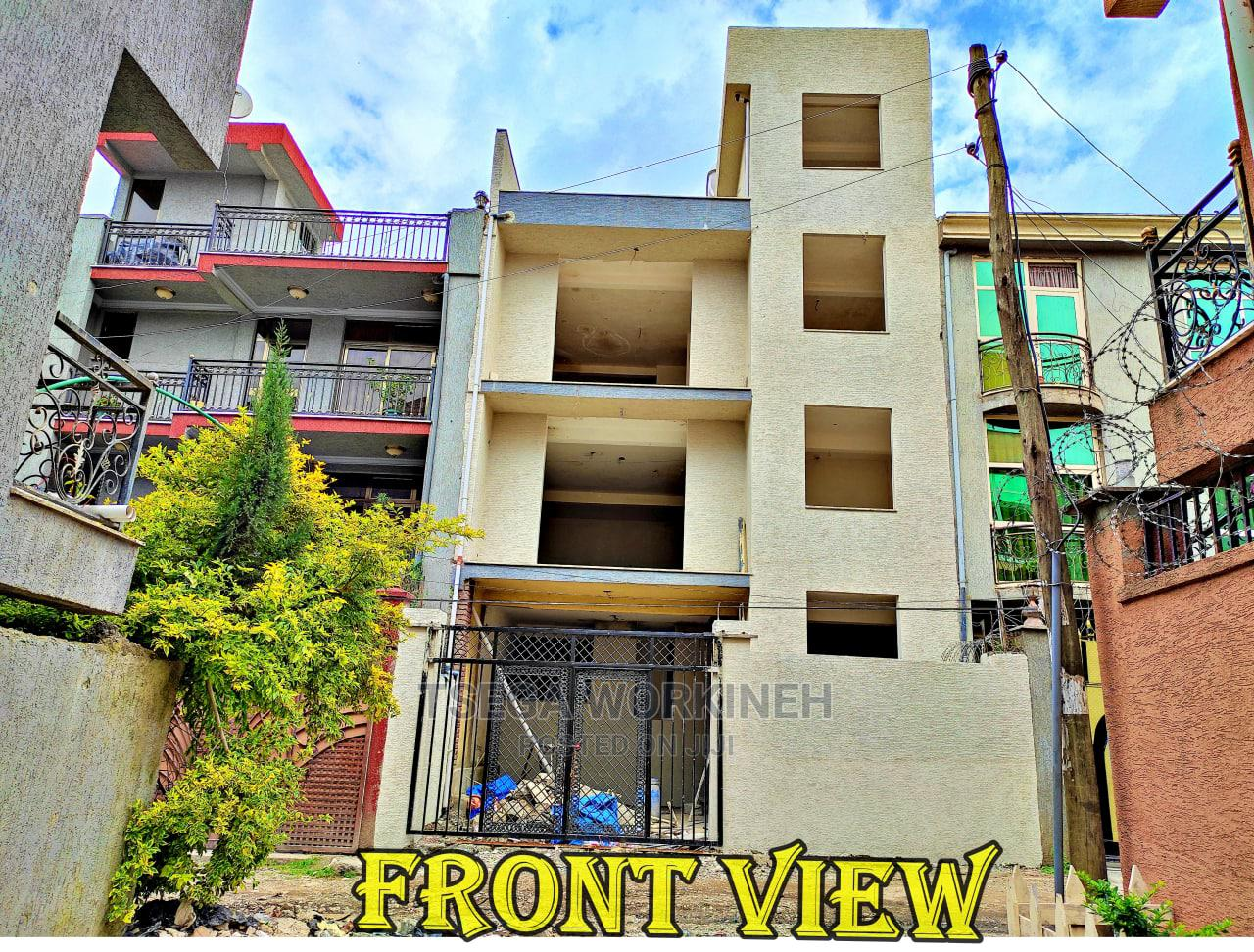 5bdrm Townhouse in Ts Professional Real, Nifas Silk-Lafto for Sale