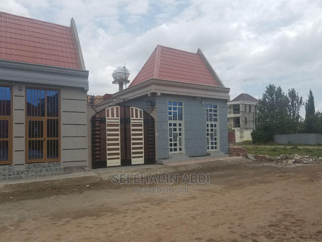 Furnished 6bdrm House in ዱከም ከተማ, East Shewa for Sale