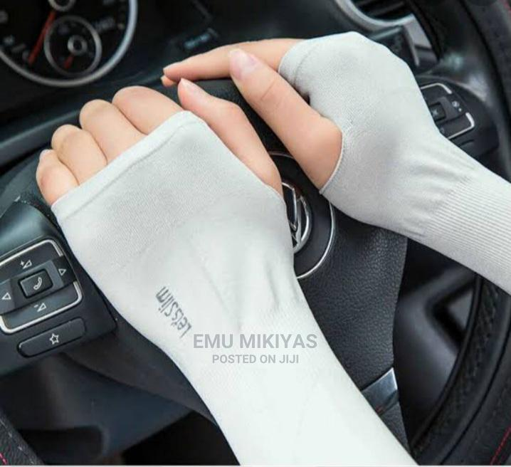Sun Protector Arm Sleeves Free Size and 2 Pieces