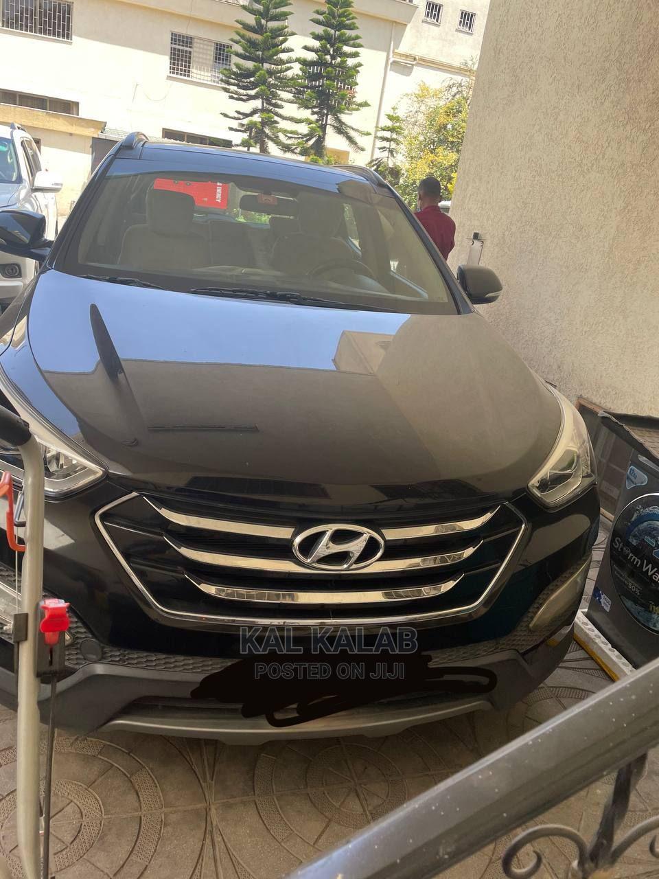 Hyundai Santa Fe 2015 Black
